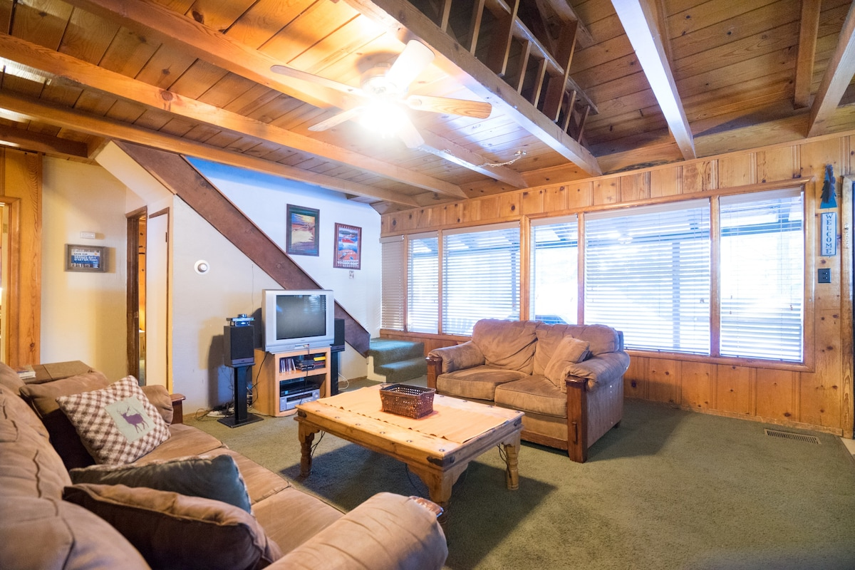 Romantic Cabin W/ Hot Tub U0026 Lg Deck   Chalets For Rent In South Lake Tahoe,  California, United States
