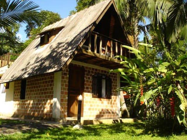Chalé a beira da Lagoa - Centro