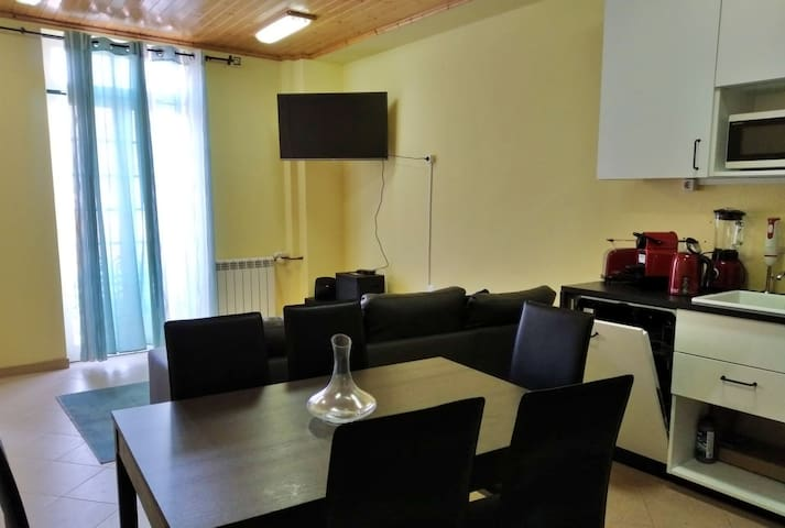 Two Bedroom Apartment with Balcony up to 10 people