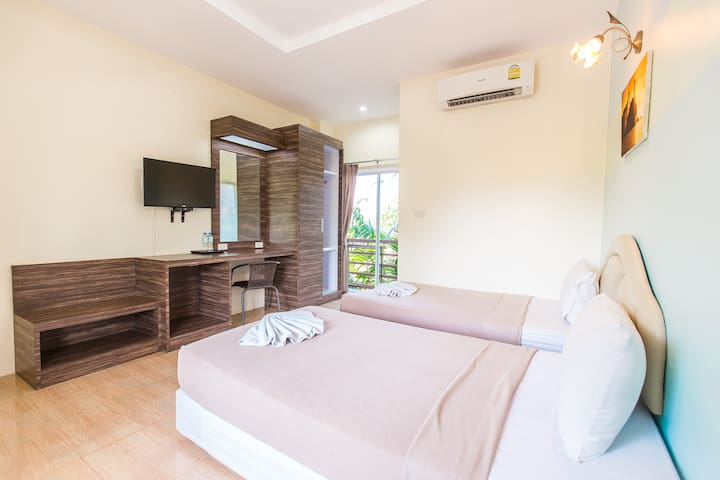 Krabi Avahill Resort (Standard Twin room)