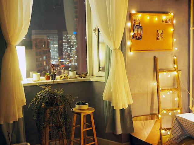 日式榻榻米清新小屋,望京soho夜景观赏点,全景大窗,高空观景,空气净化器