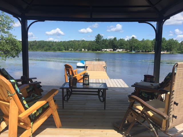 Relaxing Lakefront Getaway