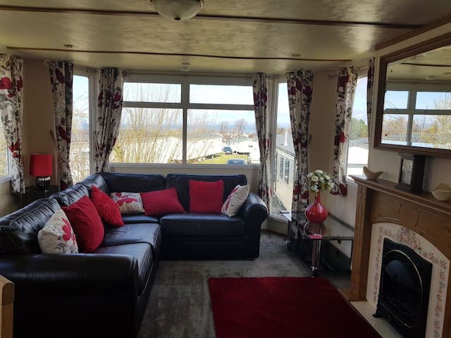 Craig Tara 2 bedroom homely caravan for rent.