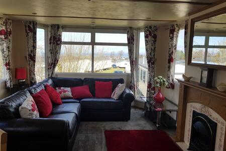 Craig Tara 2 bedroom homely caravan for rent.