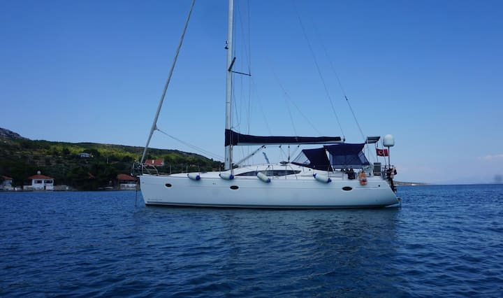 West İstanbul Marina'da Yelkenli Tekne Kiralama