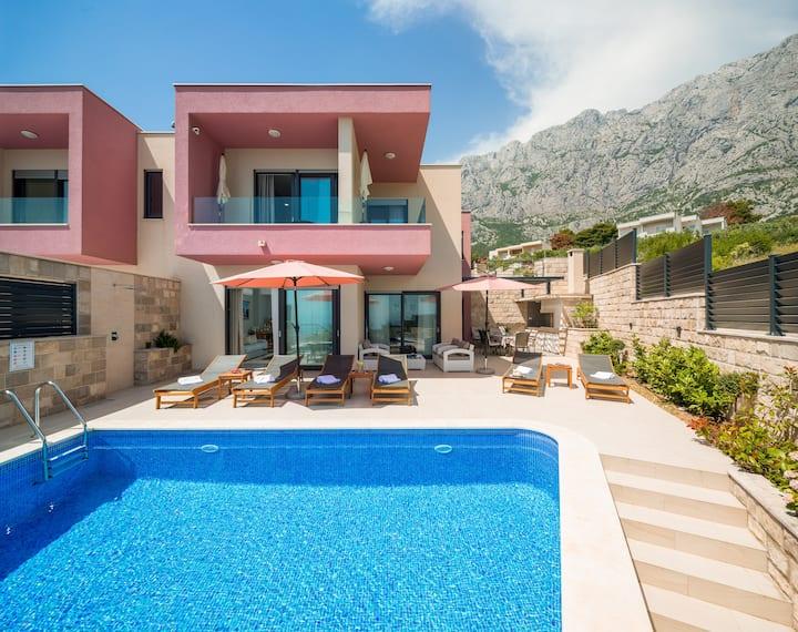 Villa Harmony Makarska-heated pool,sea view ,BBQ