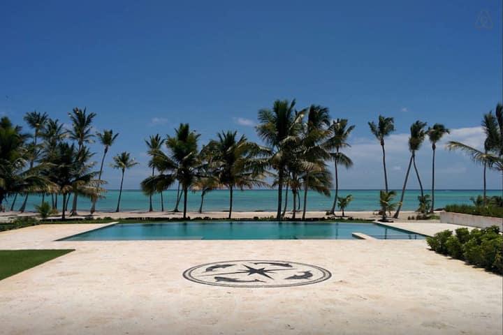 Amazing Private Beachfront - 6 Bedrooms @ Cap Cana