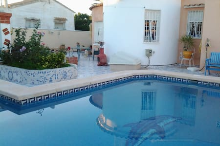 Beautiful detached villa with pool - Orihuela