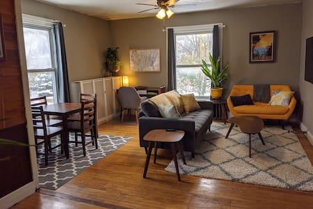 Spacious & Bright: Private Central Ypsi Apartment