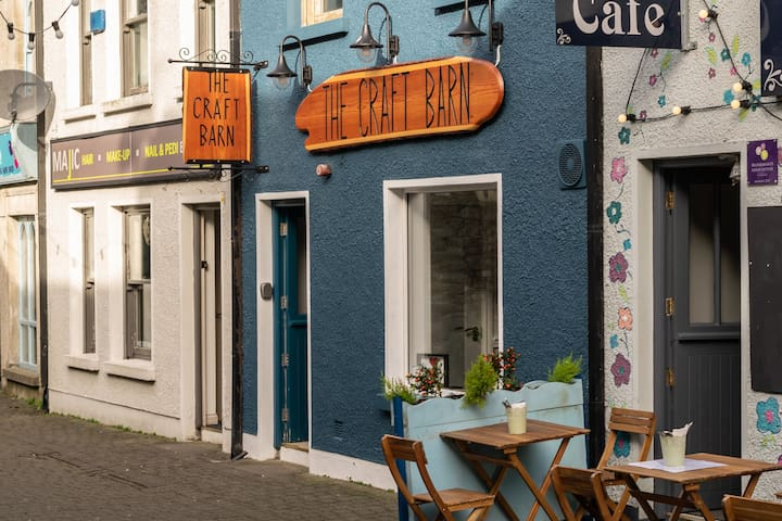 apartment 500 M from centre of carlingford