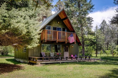 Open & Relaxing South Fork Riverside Retreat