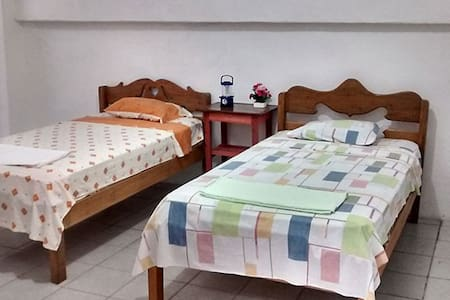 Pascana lodging, safe&quiet rooms in Iquitos,Peru. - Iquitos - House