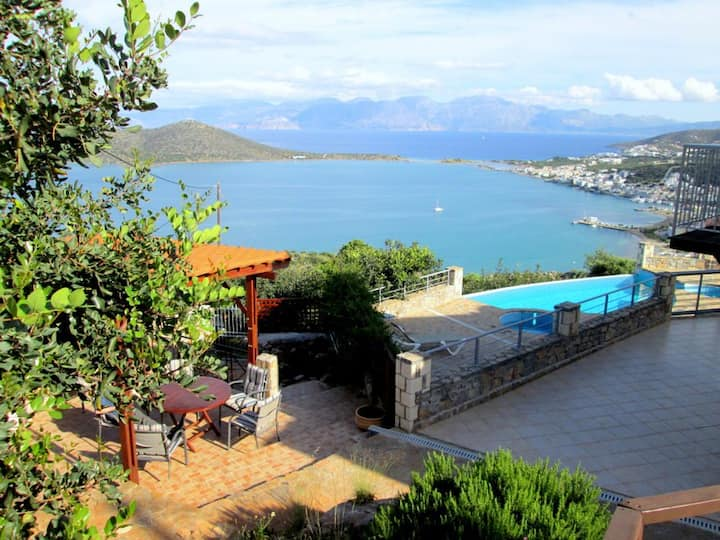 Exceptional, individual private villa