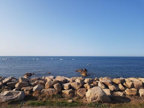 Maison en front de mer, les pieds dans l'eau !