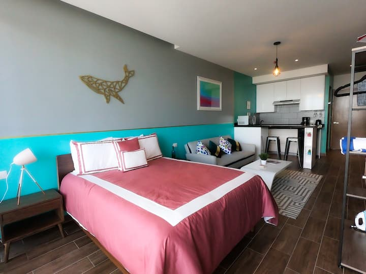 Suite Flamingo[Stylish-High Speed WiFi-5min beach]