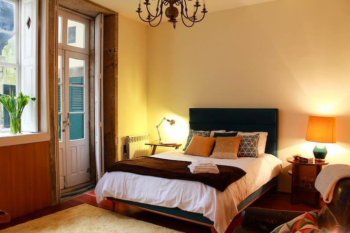Oporto Vintage Art Suite with Garden