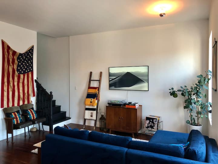 1 Bedroom Loft w/ Private Roof Deck