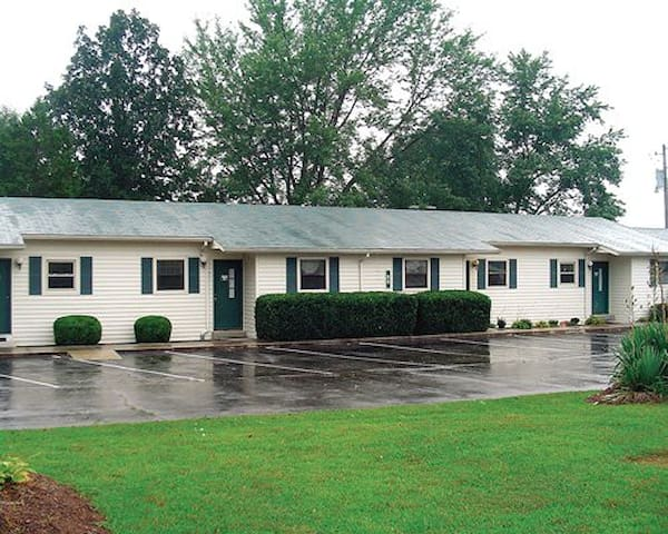*Crossville, TN, 2 Bedroom #1 /0247 - Crossville - Wohnung