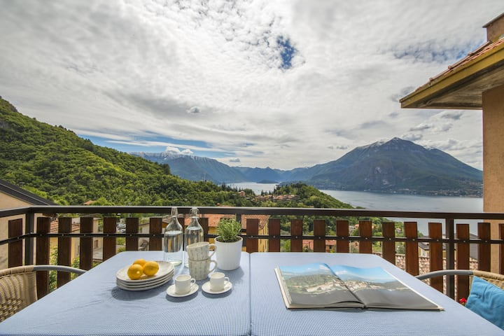 Bright apartment with view of Lake Como in Perledo
