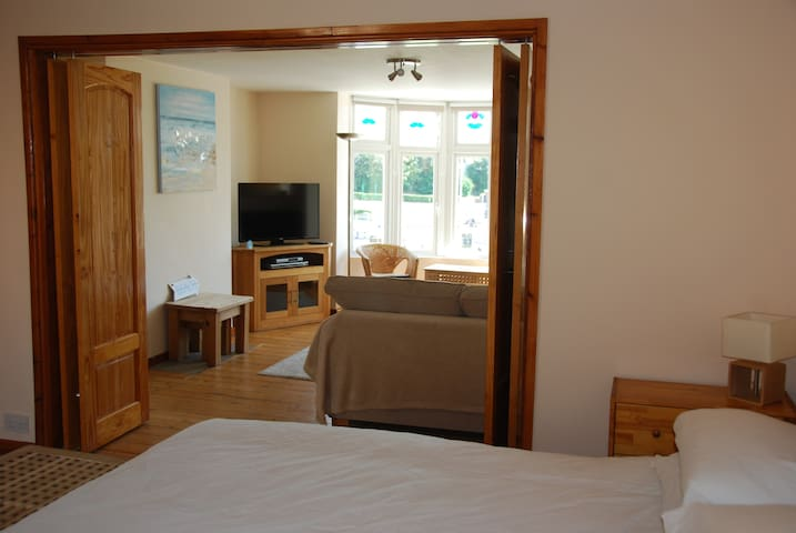 Holiday Apartment close to sea front, Town centre.