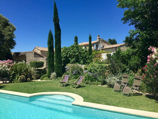 Beautiful 18th Century Provençal Mas with Pool