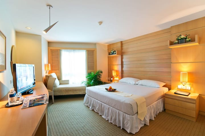 Luxury Room for 2 with Free breakfast !
