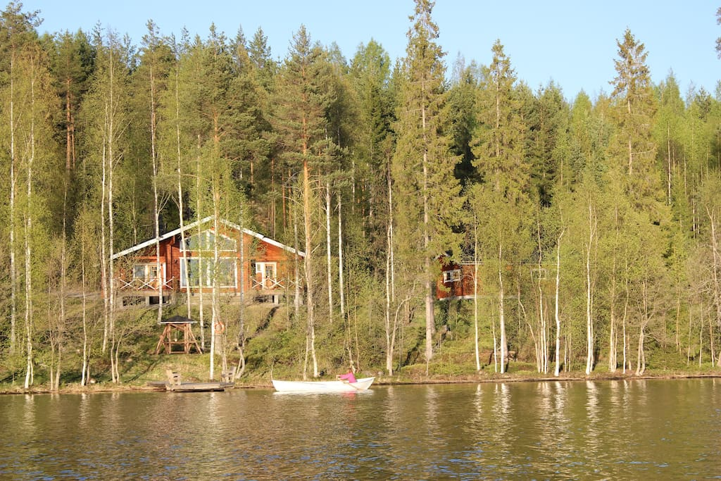 Villa Kukka, own beach ,long pier ,comformtable cottage and garage for car!