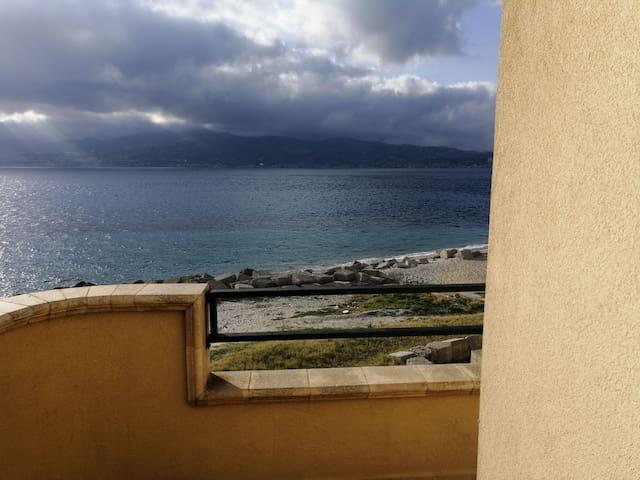 Camera in Appartamento a pochi metri dal mare