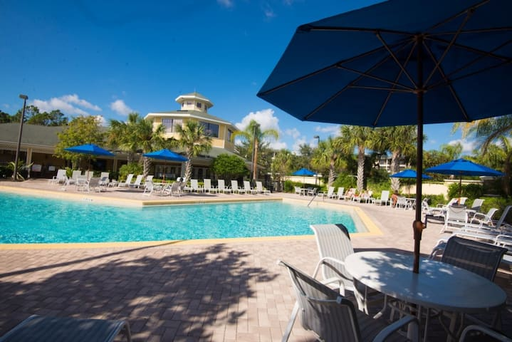 *Near Disney No Carpet* Condo Caribe Cove 3 Bed
