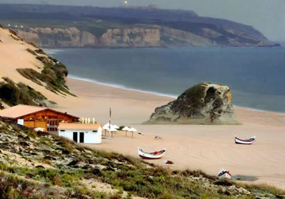 View of the nearest beach, Praia do Meco, also known as Moinho de Baixo. In the evenings you can see the fishermen arriving from sea.