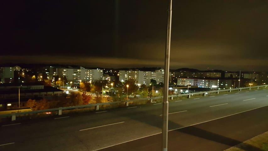 Nära Tbana och buss - Botkyrka - Apartment