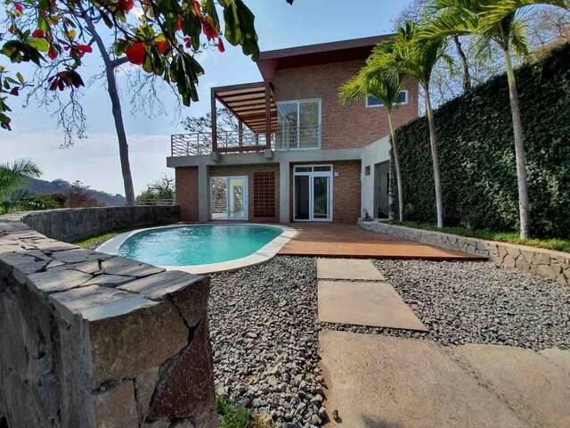 Loma Encantada beach House, XANADU
