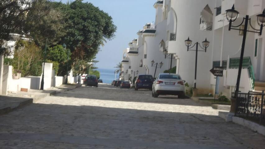 Duplex tout près de la mer chott Mariem