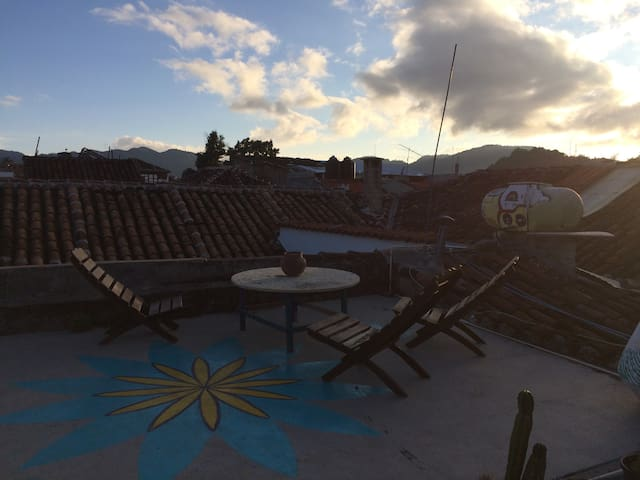 Hostal con cuartos privados a 5min del centro - San Cristóbal de las Casas - Apartamento
