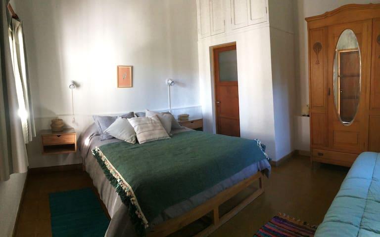 La suite de Siesta. Ropa de cama premium, colchonería  hotelera y maderas nobles acompañan tu descanso.