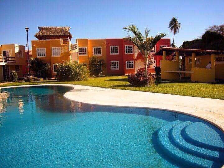 Acapulco departamento con alberca y A/C amueblado