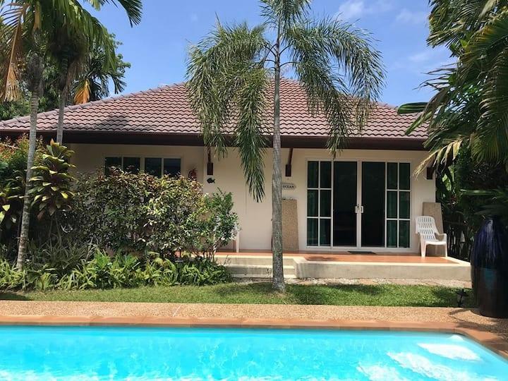 Cosy Villa Cottage close to  Sea (H2)