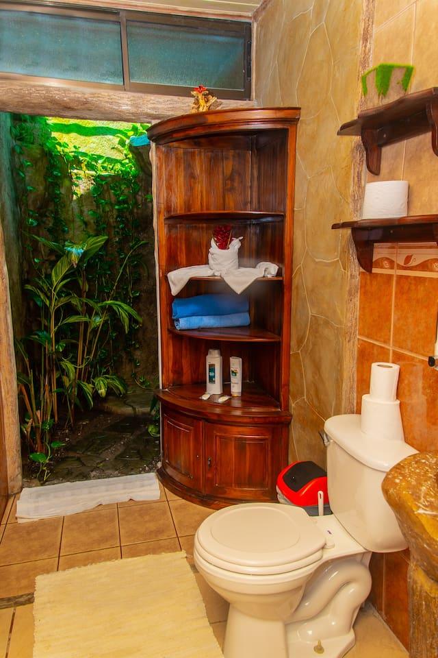 Hummingbird Arenal Villa & Jacuzzi & Pool