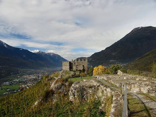 Lovely flat near Sondrio - Montagna In Valtellina - 獨棟
