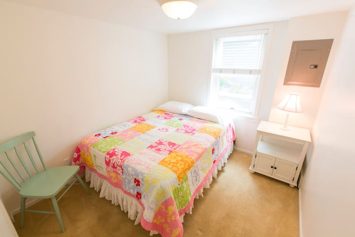 Two Bedroom Suite Near the Beach & Downtown (WB1)
