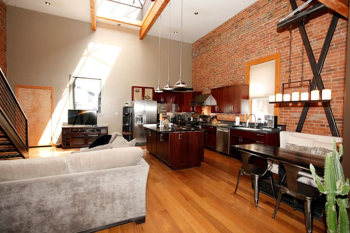 Recently Remodeled Loft - Unbeatable Location - Heart of Downtown Ouray