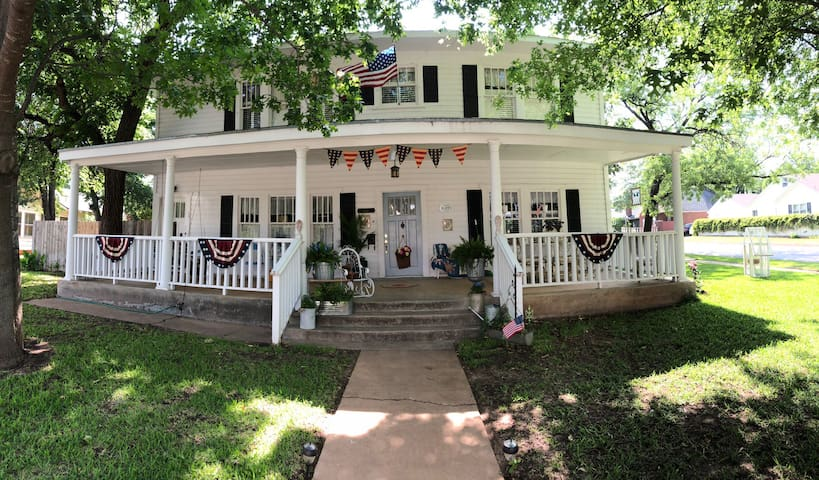 Highland House 2