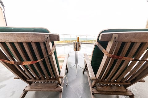 Bothy confortabil, vedere la mare, delfini, trasee de coastă