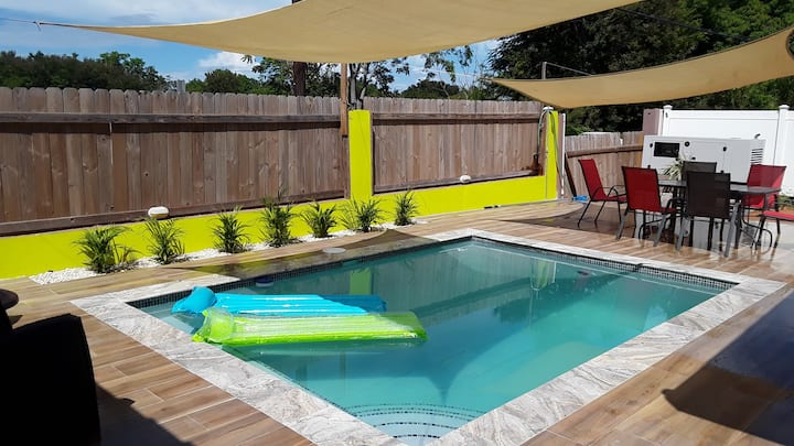 Casa Bella   POOL  keep  family toguether  fit 12