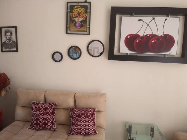 Sala con decoración típica del Estado de Morelos, para que tu família comoda.