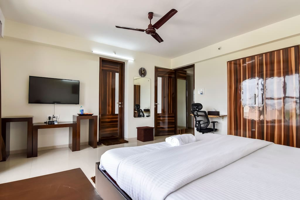 Comfortable Room with Complementary Breakfast - Apartments ...