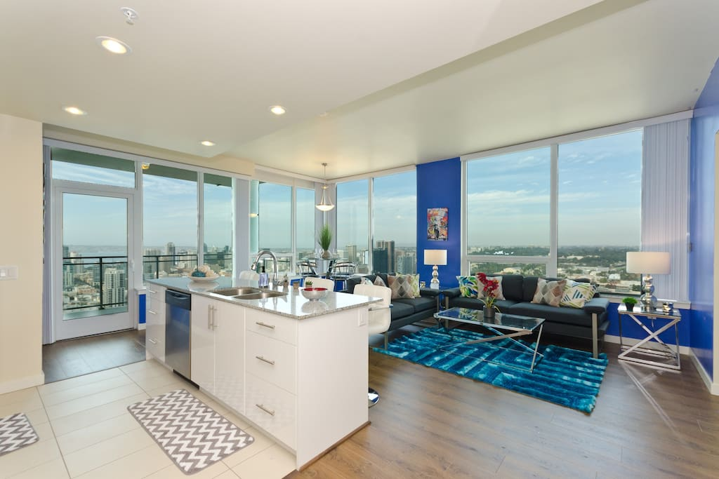 Downtown San Diego Massive Views 3br/2ba Suite ...