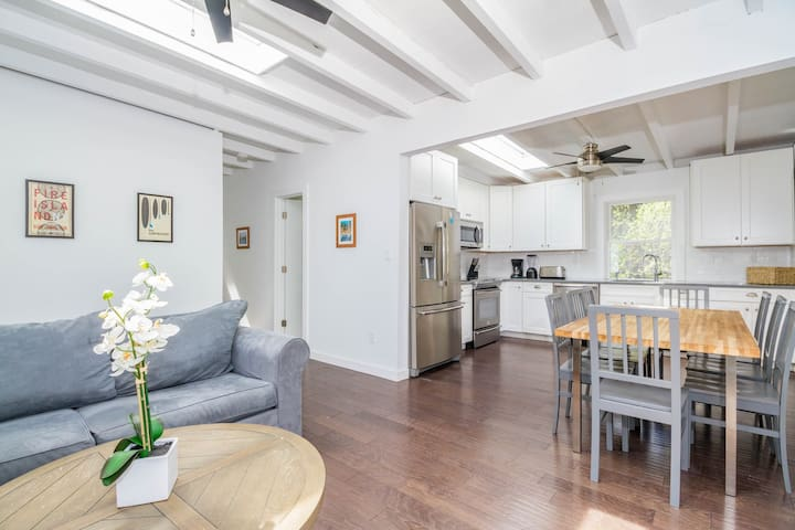 Dog-friendly home w/ new kitchen & bathrooms with high end finishes