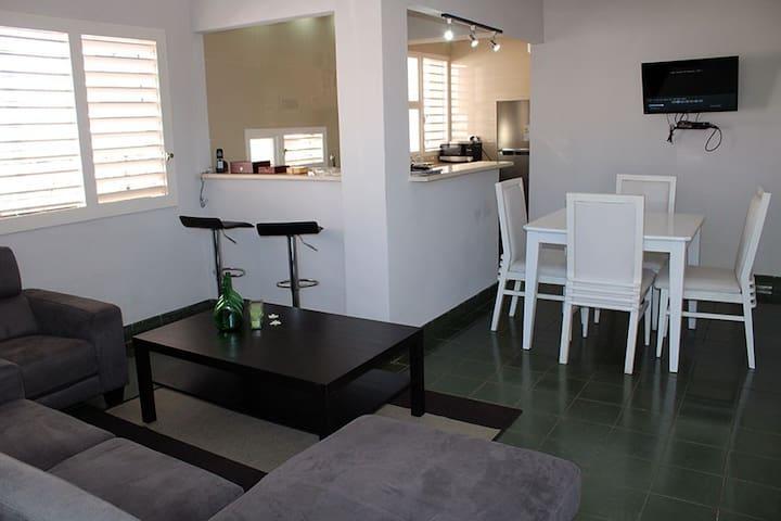 Full hyra lägenhet nära havet, Havanna.