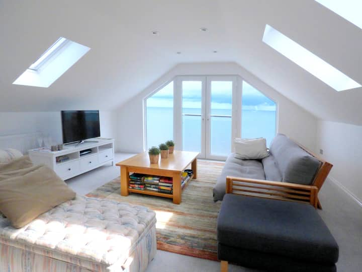 Stunning one bed apartment almost on the beach!